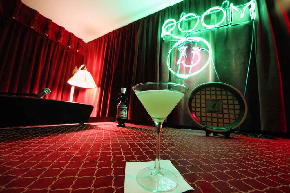 Secret Speakeasy Bar in Chicago